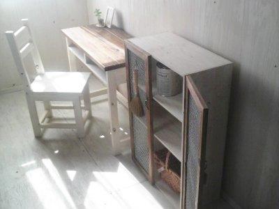 画像2: ナチュラルテイスト キャビネット 観音開きタイプ 扉付 収納棚