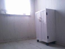 画像5: ナチュラルテイスト キャビネット 観音開きタイプ 扉付 収納棚 h930 キャスター付 【ホワイト】 セミオーダー品 (5)