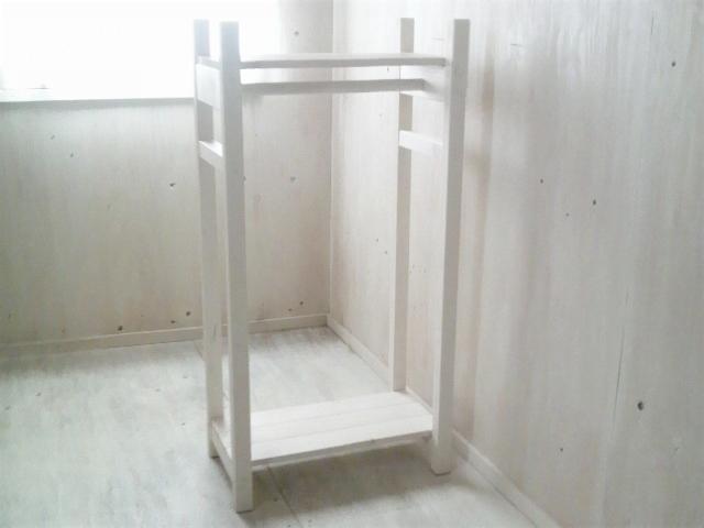 画像1: 無垢材で造る ハンガーラック 【ミルキーホワイト】 セミオーダー品 (1)