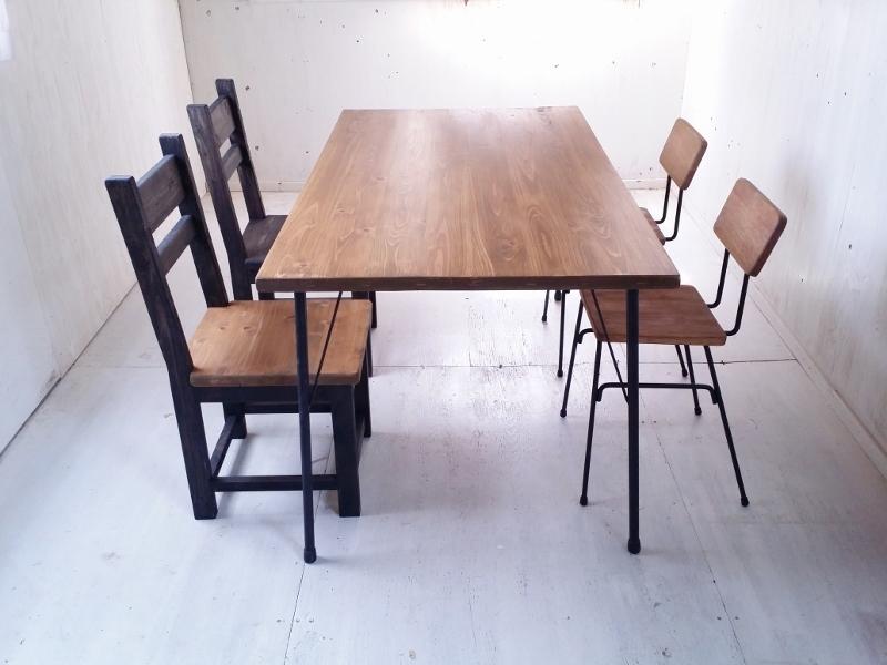 画像1: 無垢ヒノキで造る家具 アンティーク風 ダイニングテーブル 鉄脚 アイアン脚  (1)