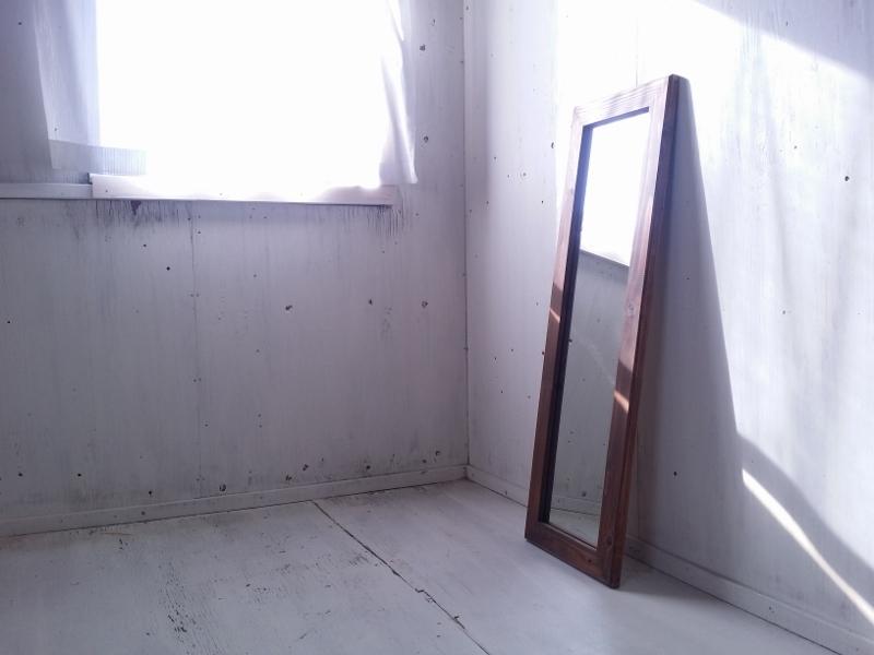 画像1: 無垢材で造る 姿見鏡 ミラー 床置き・壁掛け 【オスモウォルナット】 セミオーダー品 (1)
